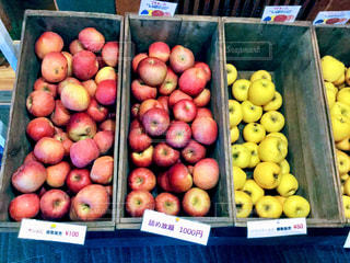 果物でいっぱいのボックス - No.923532