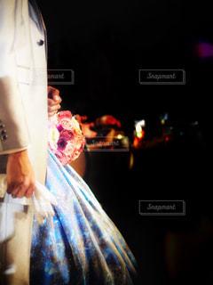 幸せの青いドレスの写真・画像素材[914402]