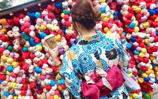 風景,カメラ,コーヒー,屋外,京都,カラフル,手,観光,人物,着物,人,旅行,八坂庚申堂,インスタ映え