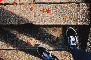 赤い靴のペアの写真・画像素材[907110]