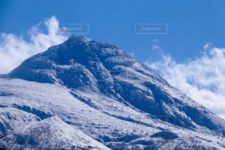 雪に覆われた山 - No.907191