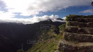 ペルー ワイナピチュ山 登山中に観える、マチュピチュ。 - No.916779