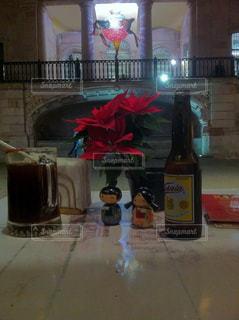 テラス席で ビール と ミチェラーダの写真・画像素材[928057]