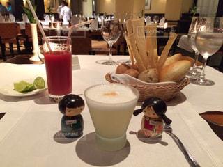 ペルーで飲む ピスコサワーの写真・画像素材[928992]