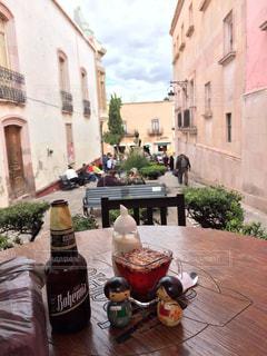 曇り空の下 メキシコビール ボヘミア黒を飲んだ。の写真・画像素材[929577]