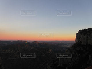 スペイン バルセロナ モンセラートからの夕日の写真・画像素材[958777]