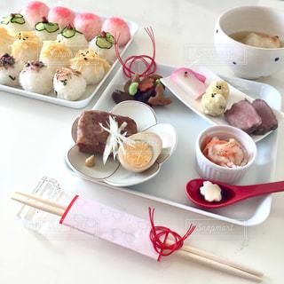 食事,テーブル,ワンプレート,おせち,正月,ごはん,手まり寿司,ワンプレートおせち