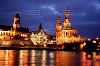 夜の街の景色の写真・画像素材[921944]