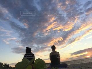 朝日を浴びての写真・画像素材[912346]
