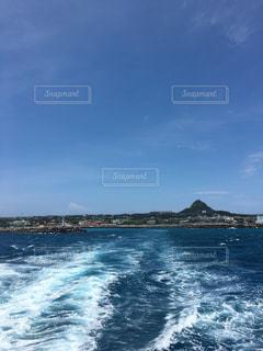 離島からの船出の写真・画像素材[1110860]