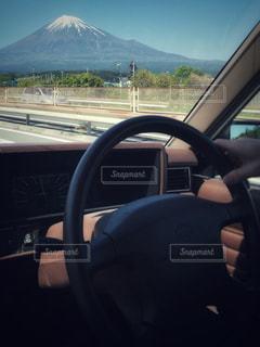 風景,富士山,車,車窓,ハンドル,休日,ドライブ,運転