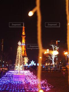 寒い街に今年も温かな灯りの写真・画像素材[913496]