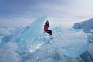 冬,氷,海外旅行,ロシア,ブルーの世界,冬の絶景,冬の観光,バイカル湖,氷の絶景