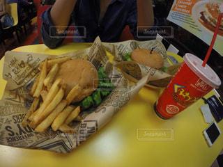 ハンバーガー屋さんの写真・画像素材[913990]