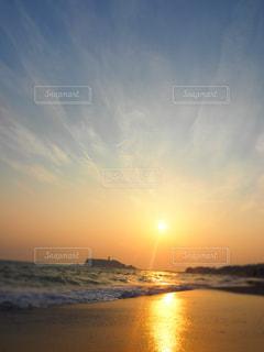 稲村ガ崎の夕陽の写真・画像素材[960320]