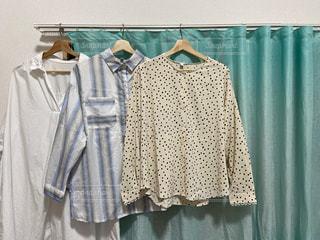 夏,カーテン,日常,洋服,服,シャツ,生活,ライフスタイル,ブラウス,収納,衣替え,整理整頓
