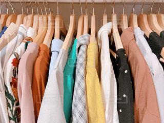 夏,日常,鮮やか,洋服,服,生活,ライフスタイル,収納,クローゼット,衣替え,整理整頓