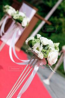 花,白,フラワー,結婚式,花嫁,フラワーアレンジ,感動,バージンロード,ブライダル,ウェデイング
