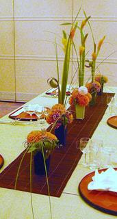 花,フラワー,結婚式,花嫁,フラワーアレンジ,ダイニングテーブル,ブライダル,ウェデイング,ゲストテーブルフラワー