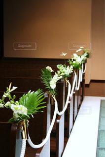 花,白,フラワー,結婚式,フラワーアレンジ,バージンロード,ブライダル,ウェデイング