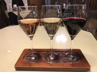 ワイン三種飲み比べの写真・画像素材[935578]
