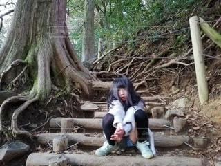 階段の途中で小休憩。の写真・画像素材[2767532]