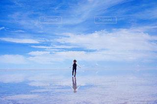 ウユニ塩湖の写真・画像素材[916364]