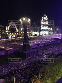 夜の街の景色の写真・画像素材[1026326]