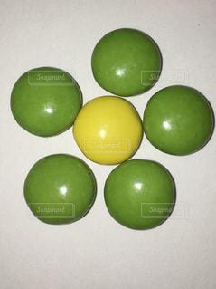 青リンゴカラーの写真・画像素材[1037580]