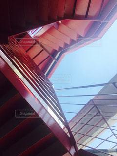 赤い階段のアップの写真・画像素材[1247665]