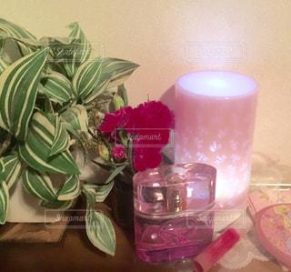 屋内,カラフル,部屋,鮮やか,木目,ピンク色,桃色,ライフスタイル,pink,フォトジェニック,インスタ映え