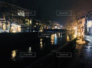 夜の街の景色の写真・画像素材[998035]