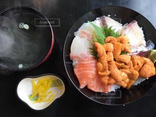 ウニ丼の写真・画像素材[1036449]