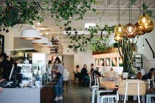 カフェのインテリアの写真・画像素材[3904515]