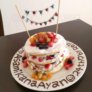 手作りバースデーケーキの写真・画像素材[925420]