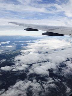 雪に覆われた飛行機の写真・画像素材[925920]