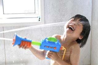 暑い日は水遊び!の写真・画像素材[3172155]