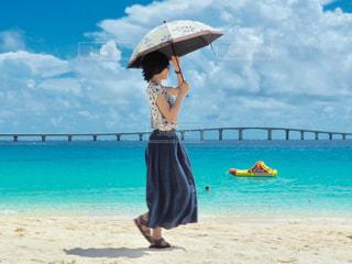女性,海,夏,屋外,ビーチ,旅,日本,宮古島,休日