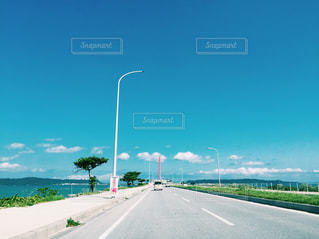 道の端にサインの写真・画像素材[927867]