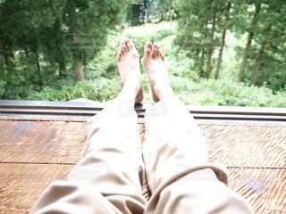 木,緑,足,部屋,縁側,家,のんびり