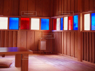 カラフルな窓の写真・画像素材[1537809]