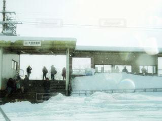 冬,雪,白,駅,人,寒い,ホーム,大雪