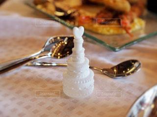 ウェディングケーキの形のシャボン玉の写真・画像素材[1668889]