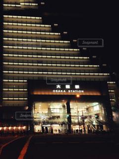 夜の大阪駅の写真・画像素材[1681727]