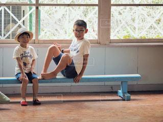 夏,半ズボン,男子,麦わら帽子,Tシャツ,学校,教室,シャツ,小学生,少年,兄弟,夏服,半袖