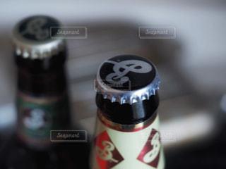クラフトビールの王冠の写真・画像素材[2799946]