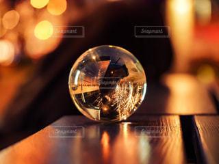 反射,ガラス,鏡,ぼかし,テーブル,イルミネーション,ガラス玉,リフレクション,明るい,玉ボケ,水晶玉