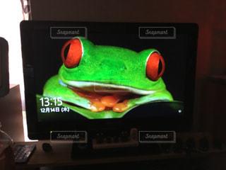 近くに緑の信号のアップの写真・画像素材[928811]