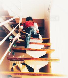 マイホーム,階段,後ろ姿,子供,家,のぼる