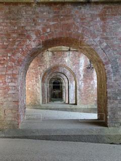 レンガの壁は、石造りの建物の写真・画像素材[930360]